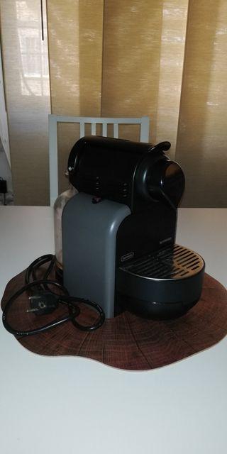 Cafetera DeLonghi Nespresso - casi nueva!!