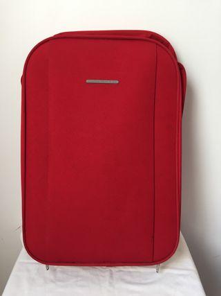 Maleta, maletín. Equipo deportivo.