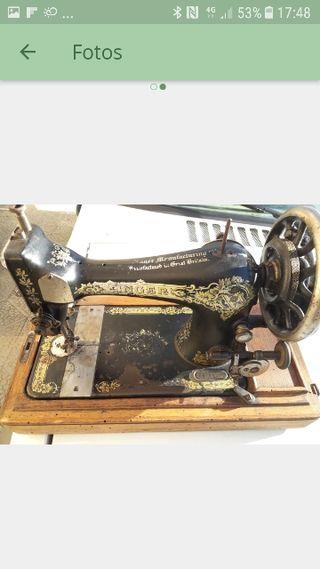 Máquina de coser antigua (vintage)