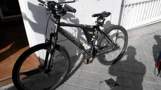 Bicicleta de montaña y paseo Rockrider 5.2 rin 26