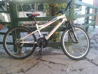 Bicicleta ruedas de montaña