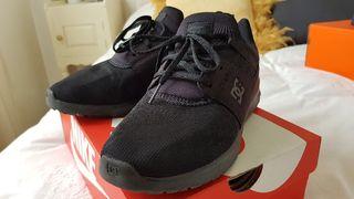Zapatillas DC Shoes como nuevas. Talla 40.5.
