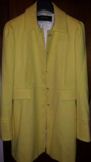 Abrigo Zara amarillo de segunda mano en WALLAPOP f4344e59f5b