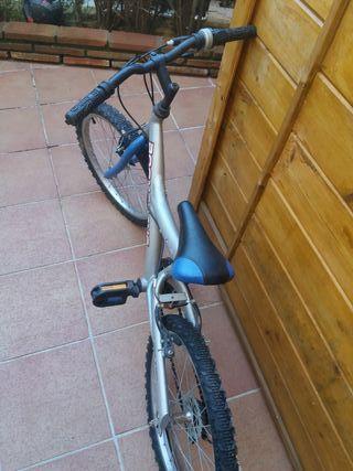 Oferta. Bicicleta infantil Boomerang