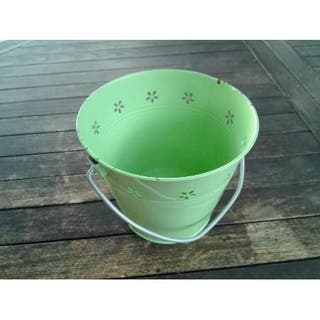 Cubo de chapa verde 16 cms