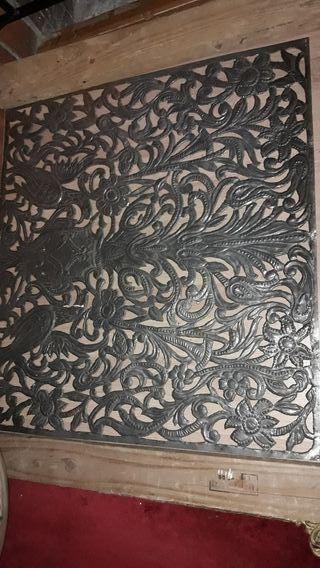 cuadro repujado granadino con motivos florales