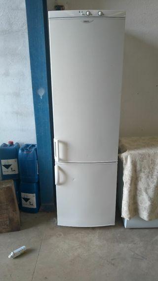 frigorífico sanussi