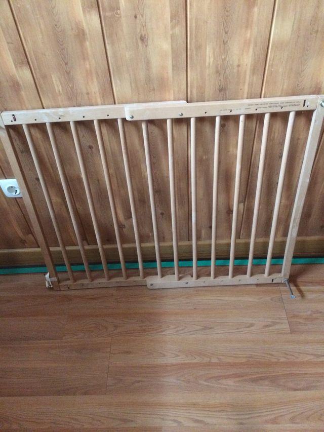 Puerta Barrera De Seguridad Para Niños De Segunda Mano Por 10
