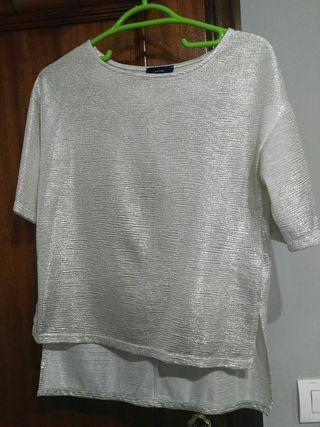 Blusa/camiseta dorada talla S