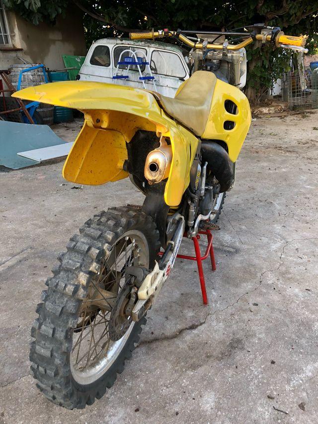 Suzuki rm 125