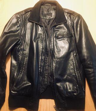 Chaqueta piel negra Zara talla M