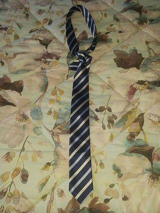 Corbata tonos azules y crudos