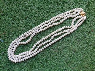62fb8b0d99ee Collar de perlas naturales de segunda mano en la provincia de ...