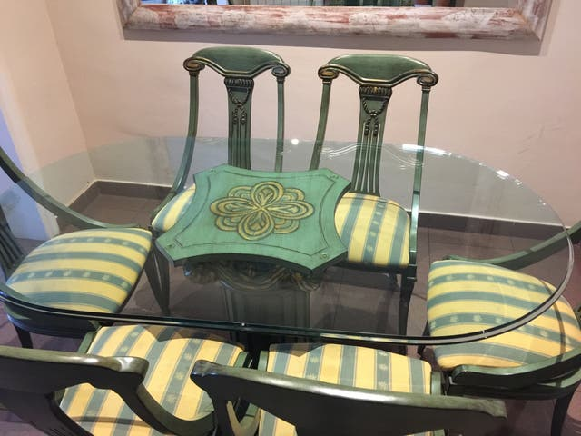 Mesa comedor vintage de segunda mano por 300 € en Barcelona en WALLAPOP