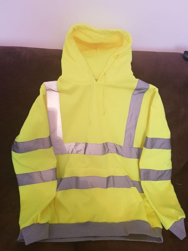 mens work jumper.has hood & pockets