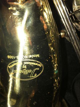 Saxofón renor