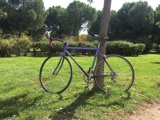 Bicicleta clásica de carretera Peugeot Izoard