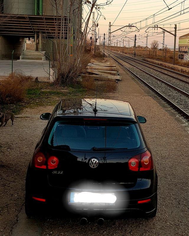 VW Golf R32 250Cv Libro sellado casa oficial