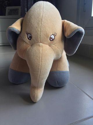 Peluche elefante sonajero