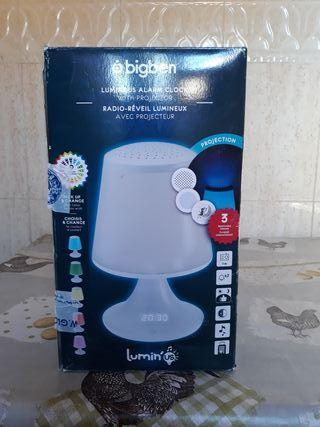 lámpara con mando a distancia