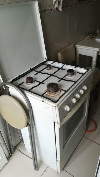 Cocina con horno butano de segunda mano en wallapop for Cocina butano con horno