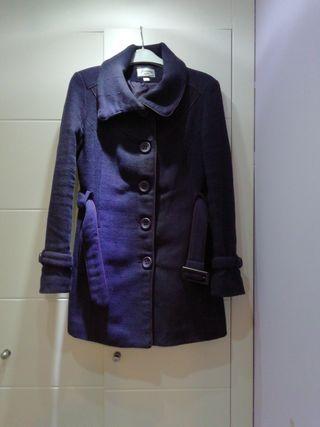 abrigo stradivarius talla l color berenjena