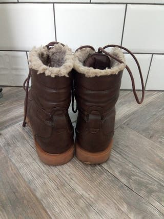 Mustang Boots size 5