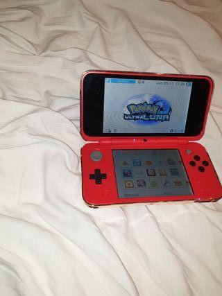 Nintendo 2 DS xl versión Pokeball