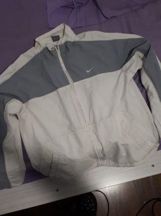 Chaqueta Nike vintage de segunda mano en Barcelona en WALLAPOP 11bb7801508