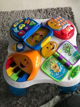Mesa de juegos infantil