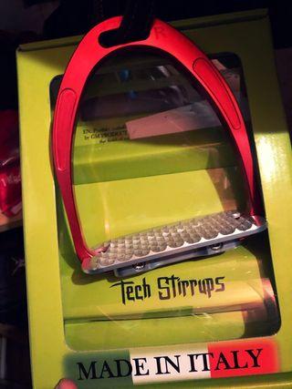 Estribos de Salto-Cross Tech Stirrups Athenea Rojo