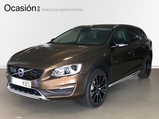 Volvo V60 Cross Country 2.4 D4 AWD Pro Auto