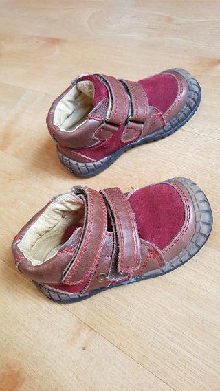 zapatos niño o niña T 22