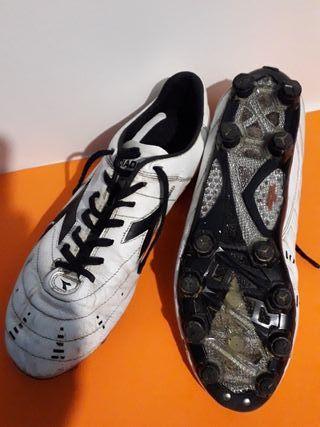 botas de fútbol talla 44,5