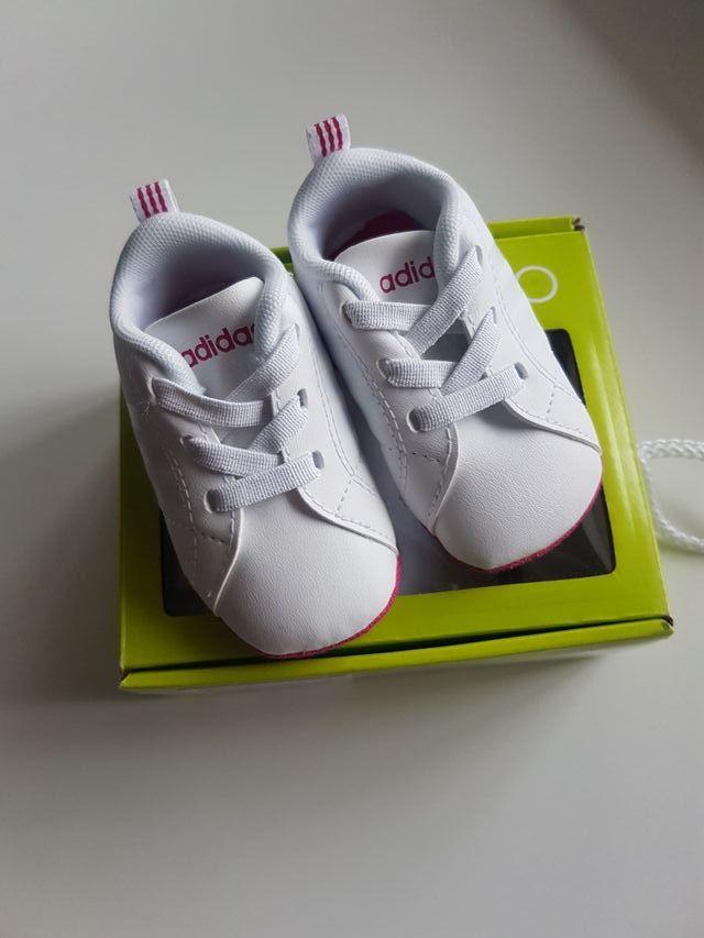 fa254a6fe4a Zapatillas adidas bebe talla 17 de segunda mano por 14 € en Griñón ...