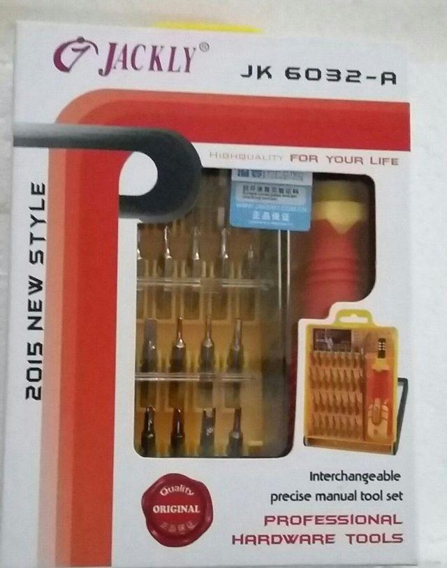 Kit de 32 Destornilladores JACKLY JK 6032-A