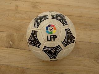 Balon Adidas Questra LFP 94/95