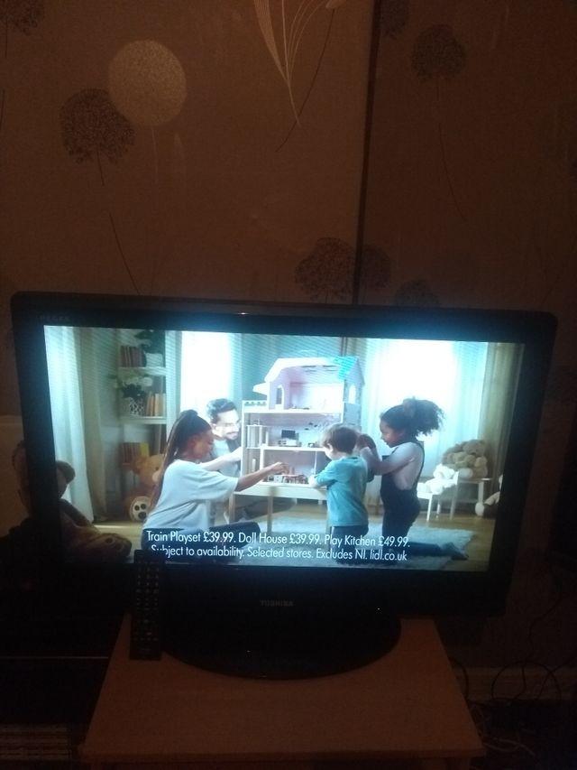 32 Inch Toshiba TV