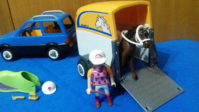 Playmobil coche con remolque caballos