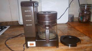 Cafetera eléctrica de 6 servicios