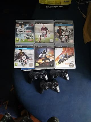 PlayStation 3 con dos mandos