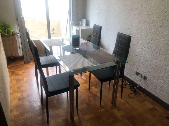 4 sillas comedor de segunda mano por 99 € en Pamplona en WALLAPOP