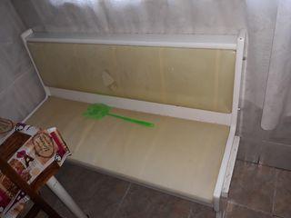 banco de cocina con cajón debajo