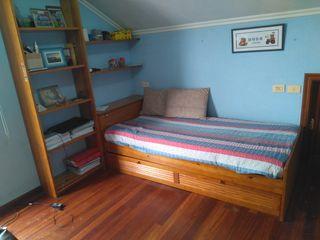 Cama nido+estantería de madera de pino