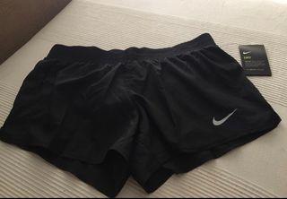 Pantalón Nike nuevo y original