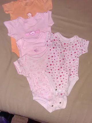 Lote 5 bodys niña 3 - 6 meses. manga corta