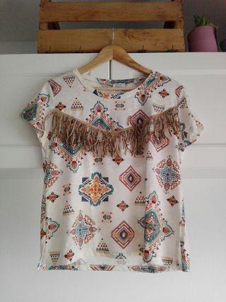 Camiseta flecos