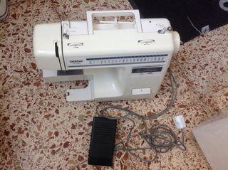Maquina de coser en buen estad