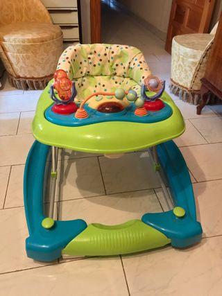Andador con juegos para bebé