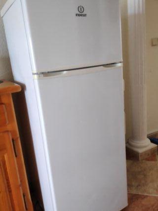 vendo frigorífico dos puertas en Benidorm